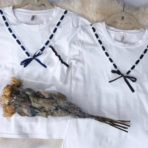 V Ribbon Bell Sleeve T-Shirt